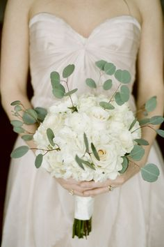 Bouquet with Eucalyptus Leaves | photography by http://jennahenderson.com