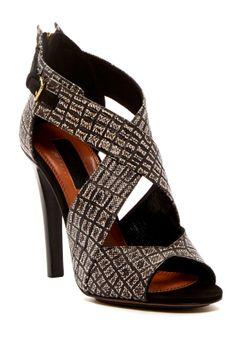 falyn sandal, zipper closur