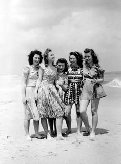 Jersey shore, 1942. vintage photos, vintage photographs, jersey shore, beach pics, vintage summer, at the beach, group photos, summer clothes, friend photography