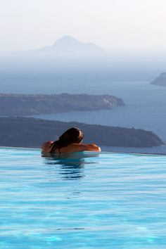 Pool view, Imerovigli, Santorini