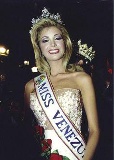 Miss Venezuela 2003 Ana Karina Áñez