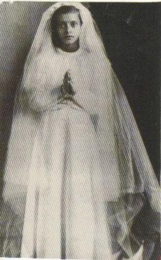 Sophia Loren's First Holy Communion