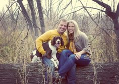 Engagement photo ideas #pets #dogs #peartreegreetings