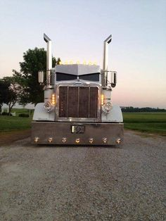 White Peterbilt with big stacks