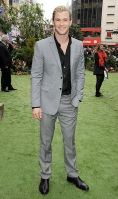 Chris Hemsworth at the Snow White and the Huntsman London premiere. my favorite Hemsworth