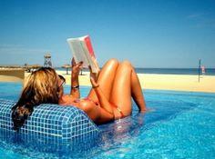 summer books, book lists, pool, summer read, read books