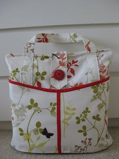 overnight bag  Original tutorial link (diaper bag): http://www.make-baby-stuff.com/free-diaper-bag-pattern.html