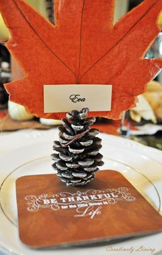 DIY Fall Tablescape Place Cards DIY Fall Decor DIY Home Decor @Debi Henry Thought you would like this one for some reason mom :)