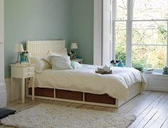 Eau de nil bedroom on pinterest textiles duck egg blue for Eau de nil bedroom ideas