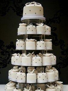 mini cakes! Kinda different... :)