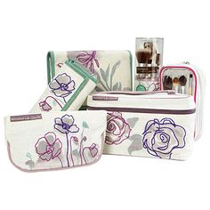 ecotools® By Alicia Silverstone - Cosmetic Bags & Brush Sets at Big Lots.