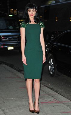I've been loving the styles Krysten Ritter has been sporting lately. She's got taste and not afraid to experiment.