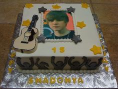 Note that this cake includes the screaming fans on the side.