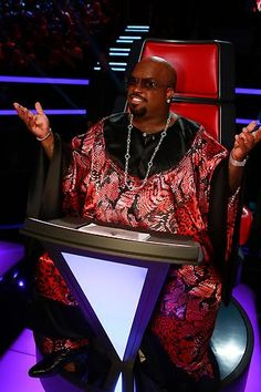 Only you could pull this off CeeLo Green. #TheVoice