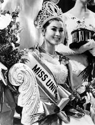 Apasra Hongsakula, Miss Universe 1965 from Thailand (First Miss Universe from Asean)