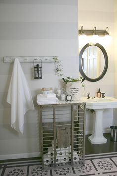 Love this bathroom! Top 38 Astonishing DIY Vintage Decor Ideas To Get You Inspired