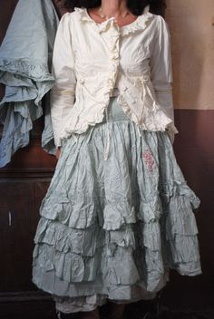 ❥ lovely hue of faded blue ..