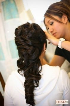 possible hair style? very pretty <3