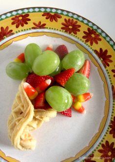 A Cornucopia Kids Thanksgiving Snack. #thanksgiving #cornucopia #thanks #recipes