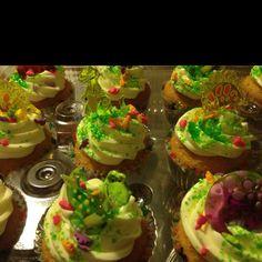 Dinosaur party cupcakes