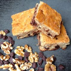 Banana Oatmeal Chocolate Chip Bars - The Lemon Bowl #bars #banana #oatmeal #chocolatechip