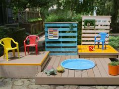 Cool idea! Build a Multi-Level Deck For a Kiddie Pool: Beat the summer heat with your own backyard pool deck.  Its easy to make and the recessed pool can be used in a variety of ways. Having a big party? Fill the pool with ice and cold drinks. When the kids outgrow the pool, used it as a planter.  From DIYnetwork.com