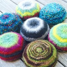 Momfluential made this fun-colored knit kippot for her sons to wear at Jewish Day school.  She recommends our Landscapes yarns!