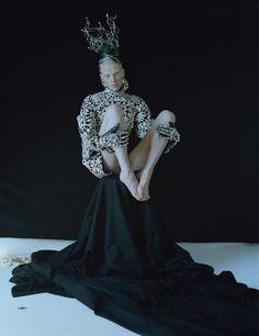 Tim Walker for W Magazine, Dame of Thrones | Trendland: Fashion Blog & Trend Magazine throne, fashion, editorial, magazines, tim walker, septemb 2012, kristen mcmenami, photographi, september