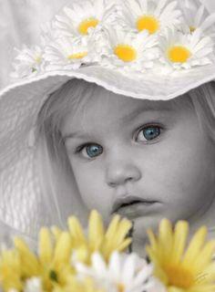 Little daisy girl