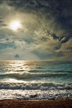 sky, seas, the wave, waves, the ocean, ocean wave, cloud, beauti, beach