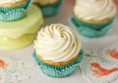 Banana Cupcakes: With Cinnamon Cream Cheese Frosting