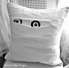 Adorable DIY mummy pillow--much cheaper than the pottery barn original!