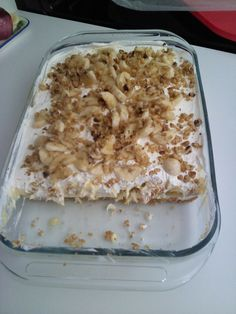 "BANANA ""SPLIT"" CAKE-- I have made this over & over...it is always a hit anywhere for any occasion! banana split cake, hit, cakes, food, bananas, banana splits, overit, recip, dessert"