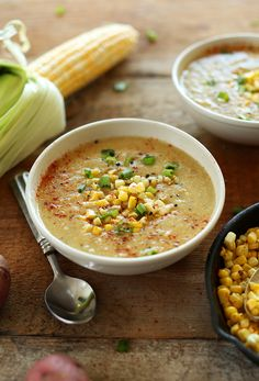 Simple Summer Corn SOUP! Loaded with veggies, 9 ingredients and #vegan and #glutenfree   MinimalistBaker.com