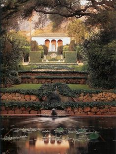 The garden at Las Tejas in Montecito, California. Designed by John Saladino; photo by Lisa Rommerein.