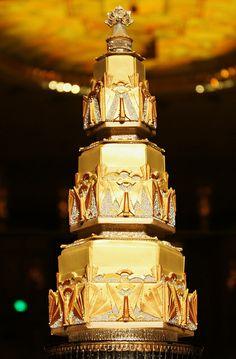 Sugar Realm - Sugar Veil - Art Deco Wedding Cake - WOW!