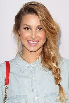 How gorgeous is Whitney Port's deconstructed fishtail braid? (Click here for a how-to!)