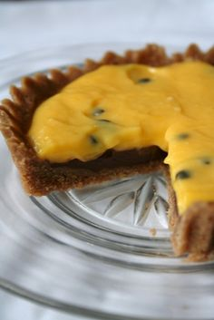 maracuya and chocolate tarts