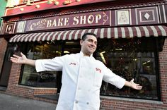 Those cupcakes looked sooo delish, I would imagine someone amazing like Buddy From Cake boss made something like that in his bakery....yummy.