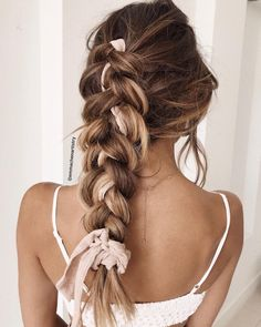 Simple braid hairsty