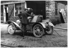 U.S. Taking on gas in Middleton, New York, 1909