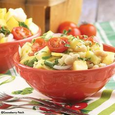 Gooseberry Patch Recipes: White Bean & Tomato Salad. Perfect salad for a cookout or barbecue!