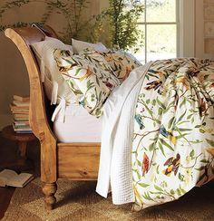 LOVE sleigh beds!