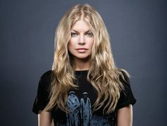 Fergie . . . not a fan, but I love her hair here.