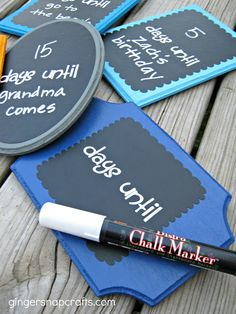 Ginger Snap Crafts: chalkboard countdown plaques {tutorial} - perfect for Summer and a simple gift idea #Silhouette #vinyl