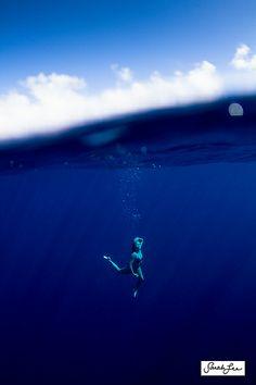 water, hula, cobalt blue, deep breath, sea, sarah lee, deep blue, blues, photographi