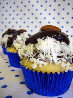 Almond Joy vegan cupcakes - for Kyra!!