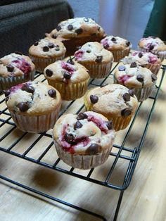 MIH Product Reviews & Giveaways: Strawberry Banana Chocolate Chip Muffins