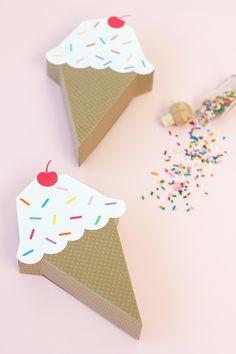 DIY Ice Cream Cone Treat Box - bjl