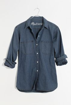 Madewell perfect chambray ex-boyfriend shirt in harvest wash.